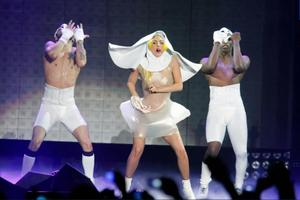 Lady_gagaatlantic_city20110219e